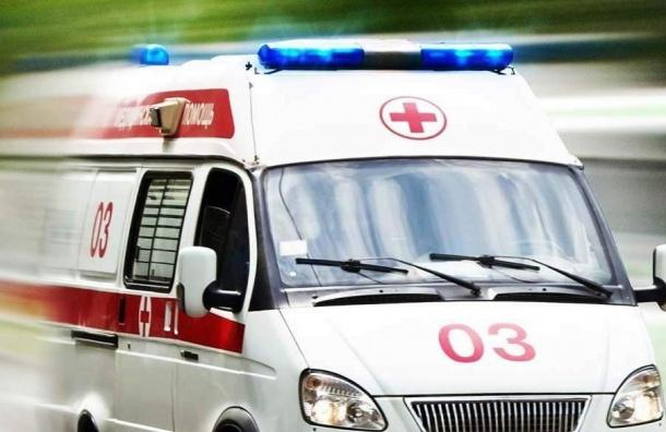 Иномарка вЛенобласти протаранила машину скорой помощи