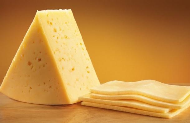 Петербуржцы едят больше сыра, чем всреднем поРоссии