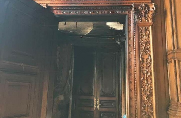 Уникальное полотно XIX века уничтожил пожар вДоме архитектора