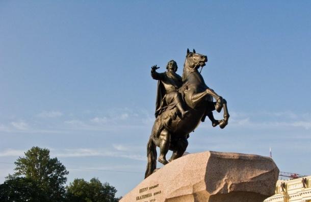 Памятники Петербурга отмоют после зимы