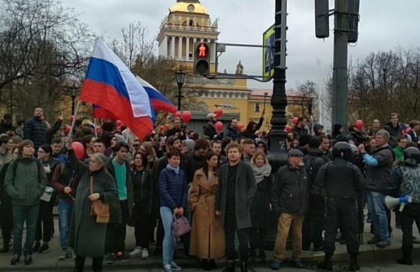 Журналиста «Эха Москвы» вПетербурге хотели задержать намитинге