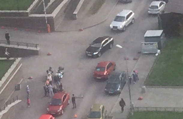 Автомобиль сбил ребенка наПарнасе