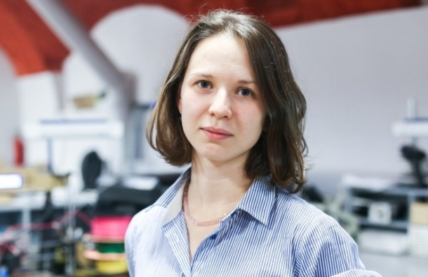 Петербурженка изобрела помогающую инвалидам разделочную доску