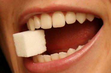 Удалившая 22 зуба петербурженке стоматолог предстанет перед судом