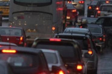 Пулковское шоссе «утонуло» впробке