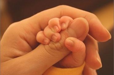Двухлетнего ребенка вКолпине отобрали упьяной матери