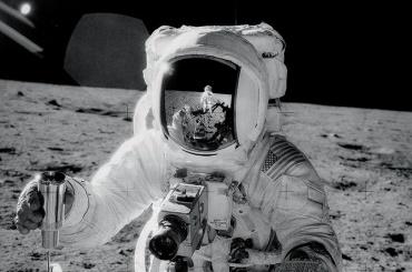 Умер астронавт Алан Бин