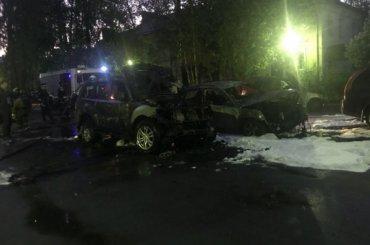 Огонь «убил» девять машин вПриморском районе