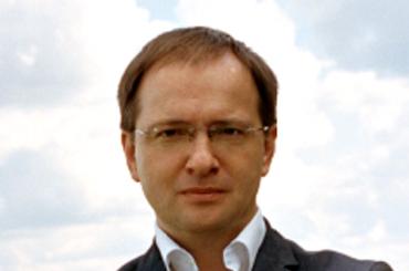 Депутаты просят Мединского предоставить документы напетербургские памятники