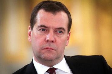 Медведев предложил разделить Минобрнауки надва ведомства