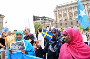 Шведские власти научат иммигранток заниматься сексом