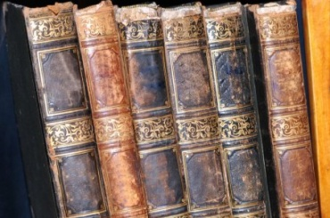 Упетербуржца похитили антикварные книги на800 тысяч рублей