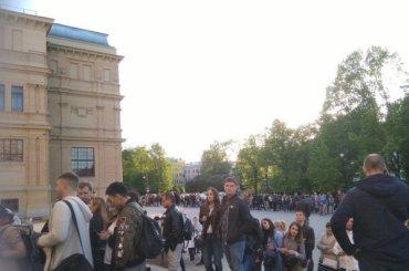 «Ночь музеев» собрала огромные очереди вПетербурге