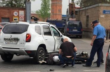 Иномарка снесла мотоциклиста напроспекте Обуховской Обороны