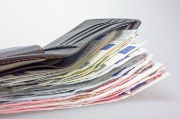 Аналитики узнали, вкаких странах петербуржцы оставляют больше денег