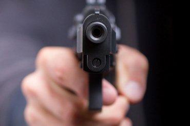 Пьяный посетитель кафе вПушкине стрелял познакомому