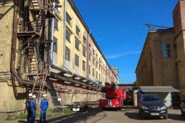 Возгорание наБалтийском заводе тушили больше часа