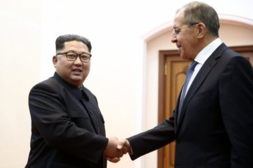 Лавров встретился сКим Чен Ыном вПхеньяне