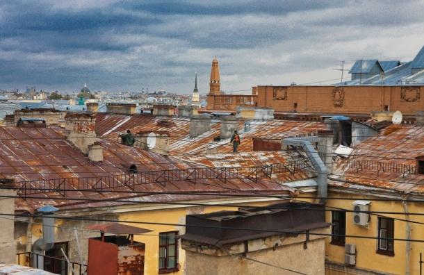 Четверых детей снимали спетербургских крыш