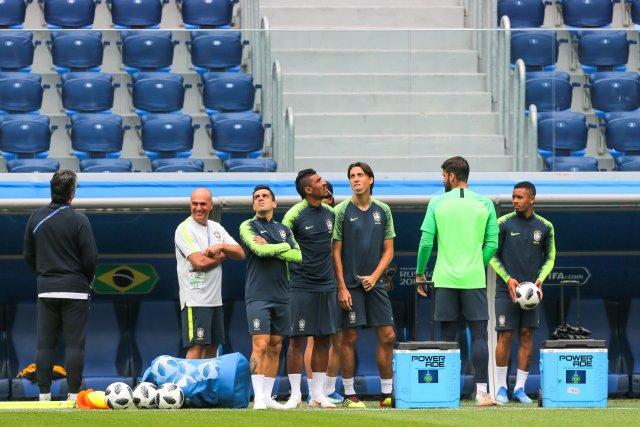 Первая тренировка сборной Бразилии в Петербурге, фото: Игорь Руссак 4
