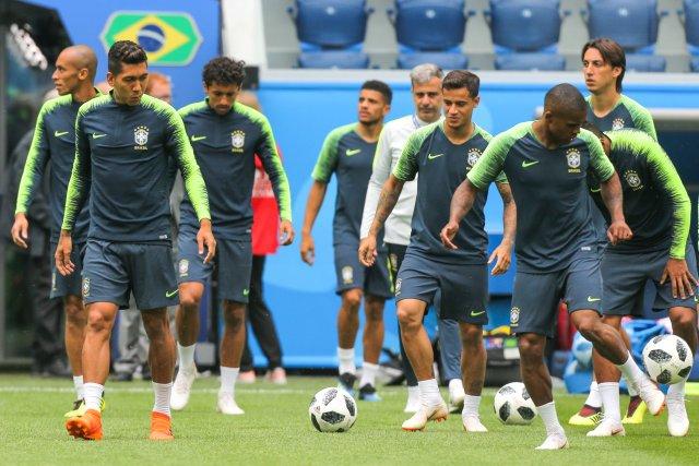 Первая тренировка сборной Бразилии в Петербурге, фото: Игорь Руссак 2