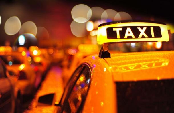 Турист изГермании заплатил петербургскому таксисту 10 тысяч рублей запоездку
