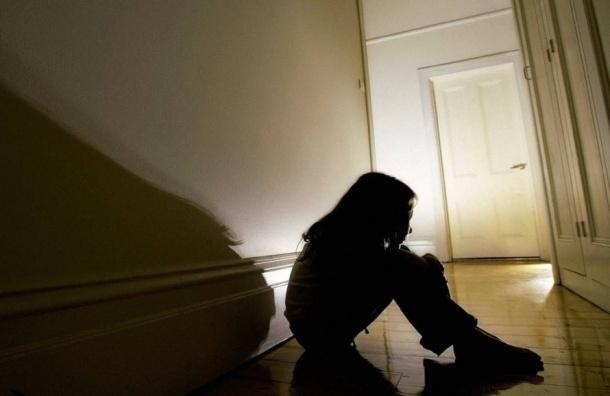 Сбежавшую отприемной матери 13-летнюю гражданку США ищут вПетербурге