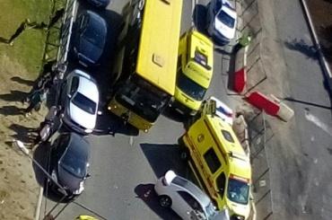 Четыре человека пострадали влобовом столкновении наМебельной