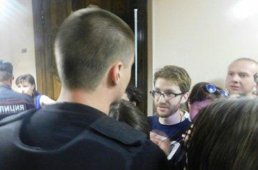 Фотографа «Медиазоны» задержали перед заседанием поделу «Сети»