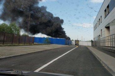 Автобус сгорел впарке наМалой Бухарестской