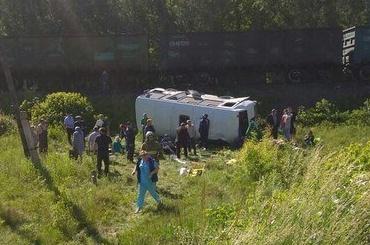 Поезд сбил автобус под Орлом: четверо погибли