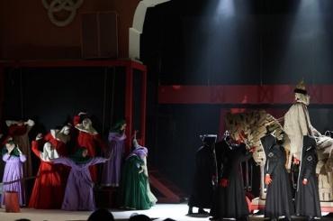 Театр «Зазеркалье» покажет оперу овремени пыток иабсолютной власти