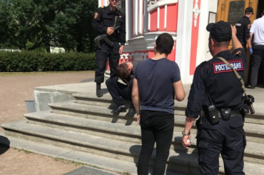 Очевидцы сообщают опоножовщине вЧесменской церкви