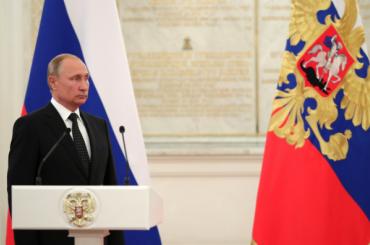 Владимир Путин подписал закон оконтрсанкциях