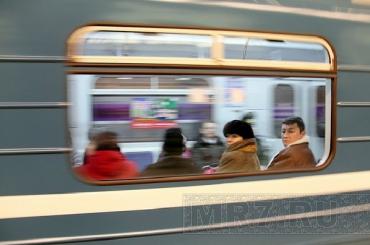 Метрополитен раскрыл тайну зеркал настанциях метро