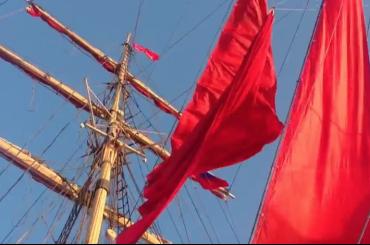 Шведский бриг Tre Kronor отрепетировал «Алые паруса»