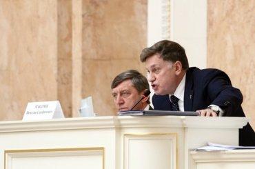 Петербургские депутаты займутся расследованиями