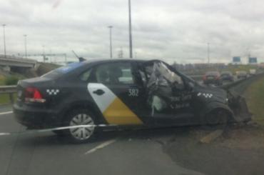 Разбитое Яндекс Такси без водителя нашли наКАД