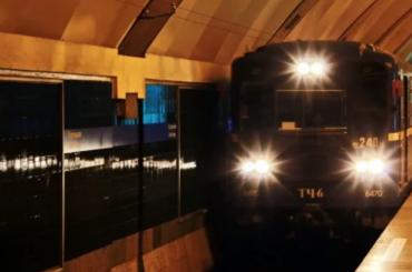 Вторую станцию метро засутки закрывают из-за бесхозного предмета вПетербурге
