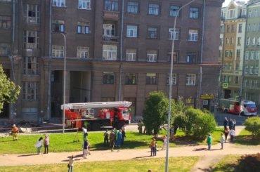 Балкон жилого дома рухнул наВасильевском