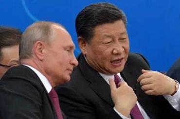 Путин подарил главе Китая баню