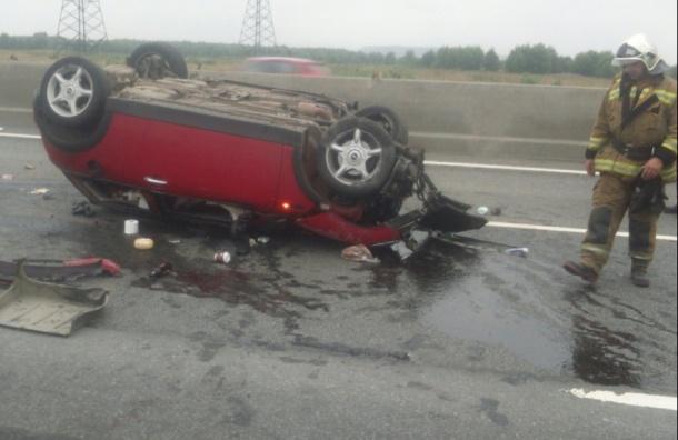 Mini Cooper въехал в самосвал на Киевском шоссе