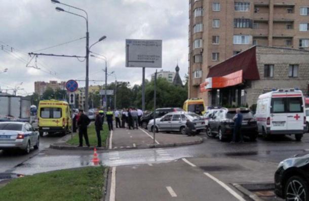 Полицейские освободили заложницу из«Дикси» вМоскве