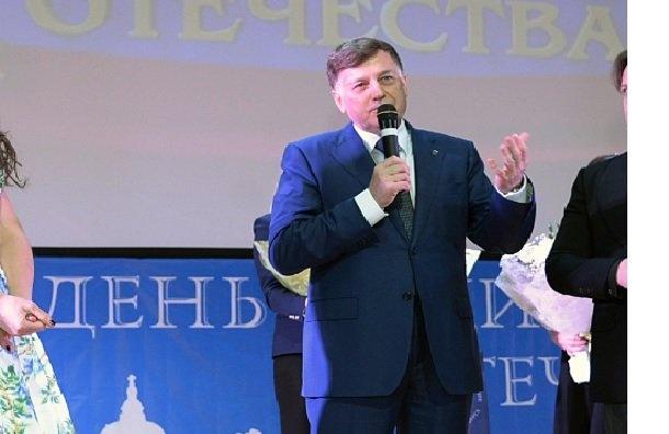 ЦИК небудет обсуждать сМакаровым кандидатуру Миненко