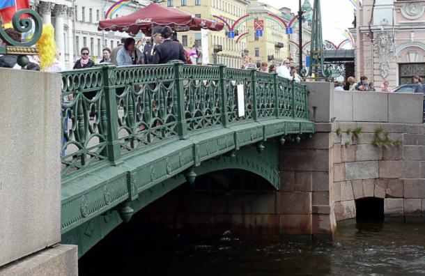 Подрядчиков для капремонта Зеленого моста вПетербурге ненашлось