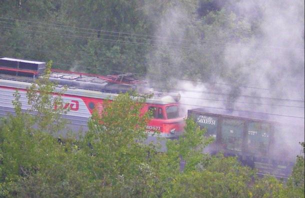 Электрички всторону Мги задерживаются из-за горящего поезда