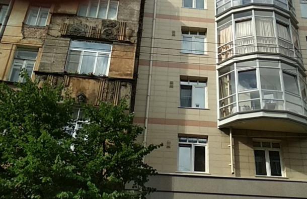 Жилищный комитет проверил состояние треснувшего дома наЗверинской