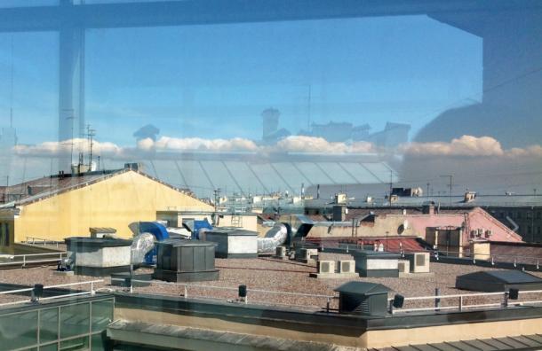 Петербург ожидает солнечная среда средкими облаками