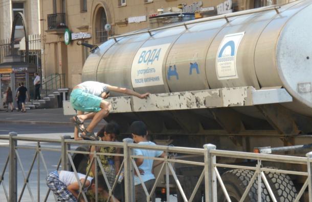 Петербуржцы остались без воды из-за аварии наБабушкина