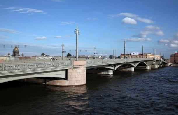 Художественную подсветку Благовещенского моста отключат